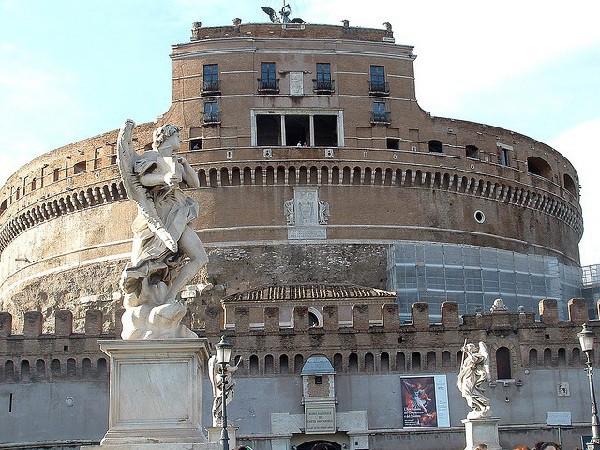 También sirvió como residencia segura de los Papas