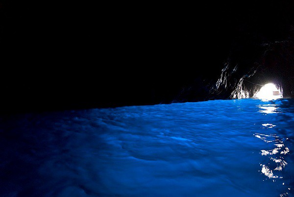 Gruta Azul, una visita mágica en la isla de Capri