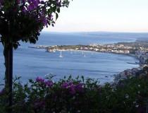 Taormina, ciudad turística por sus playas y sus edificios históricos