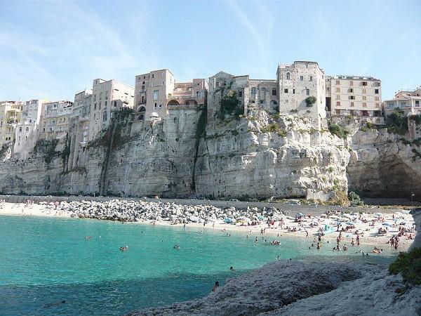 Playas de arena blanca y aguas azules