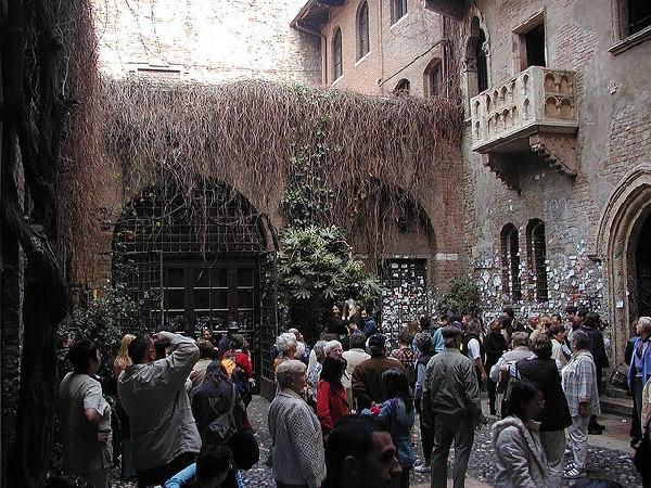 Lugar donde la leyenda popular dice que vivió la joven Julieta de la historia de Shakespeare