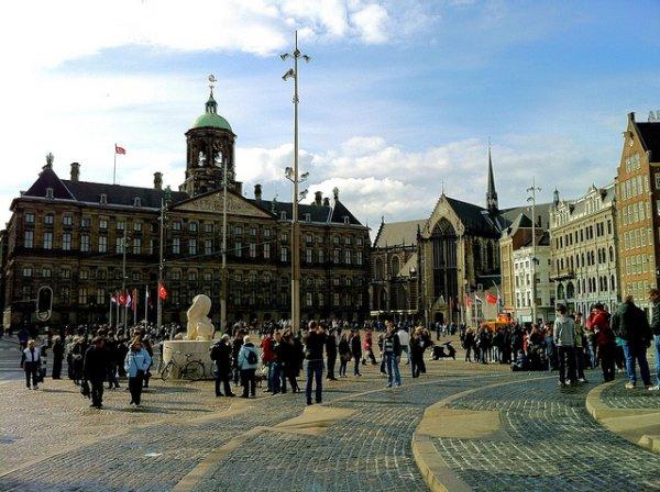 Plaza Dam, el centro neurálgico de Amsterdam