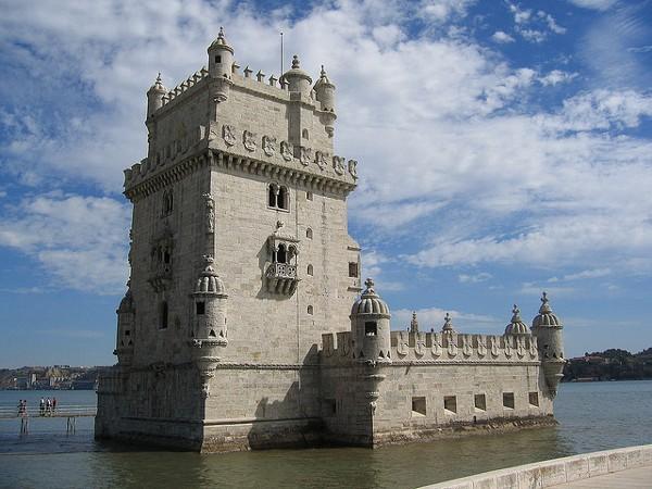 La Torre de Belem es uno de los monumentos típicos de Lisboa