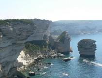 Bonifacio, el pueblo de los acantilados
