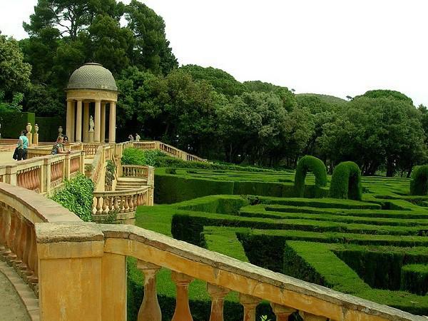 Jardín neoclásico y romántico cuyo protagonista es un laberinto de cipreses