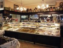 Pastelería Castelnuovo, fundada en 1945