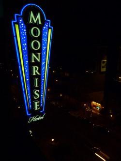 Moonrise Hotel, un original hotel temático de St. Louis