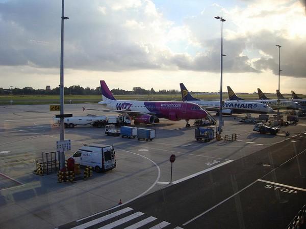 Aviones en el aeropuerto de Charleroi