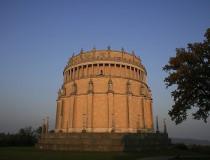 El monumento Befreiungshalle en la ciudad de Kelheim