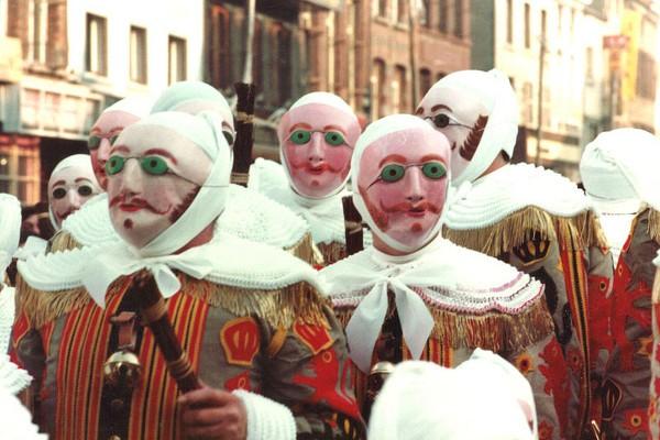 Los Gilles, los personajes más populares del Carnaval en Bélgica