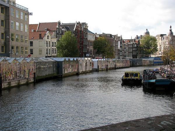 El mercado de flores flotante de Amsterdam