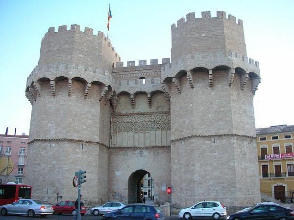 No hay postal donde no aparezcan estos monumentos valencianos