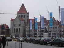 La Iglesia de San Quintín, en la Grand Place de Tournai