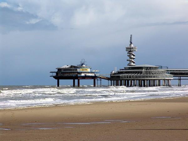 Playa y muelle de Scheveningen, en La Haya