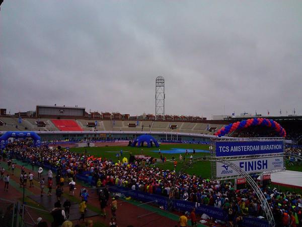 Línea de meta de la maratón de Amsterdam
