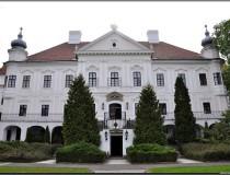 El Hotel y Castillo Teleki en la ciudad de Szirák