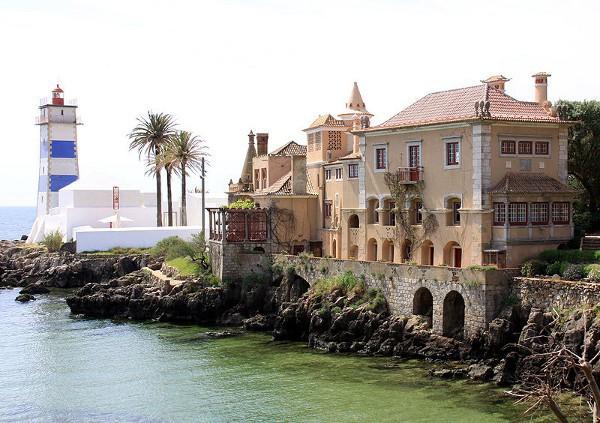 La Casa de Santa María y el Faro de Santa Marta en Cascais