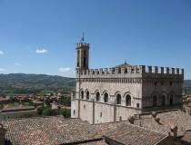 Gubbio, la ciudad sobre la colina