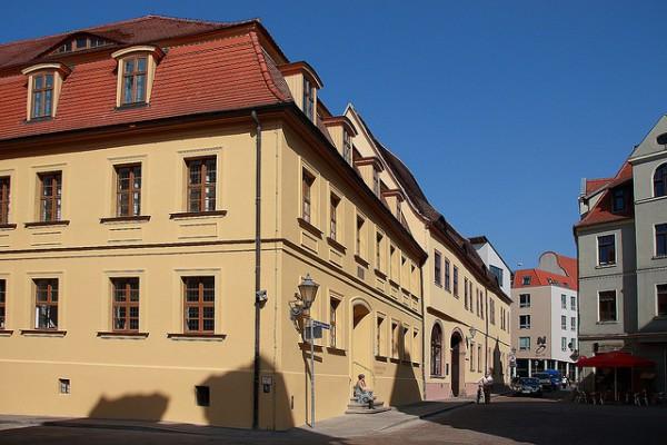 Haendel House