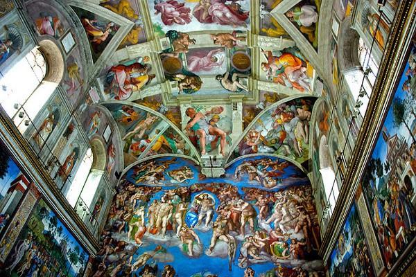Frescos de la Capilla Sixtina, con El Juicio Final en primer plano