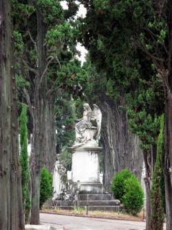 El Cementerio de los Placeres es uno de los lugares curiosos de Lisboa