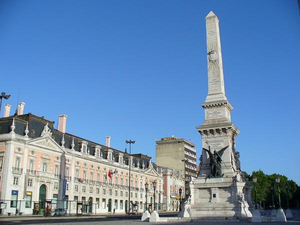 La Plaza de los Restauradores y su famoso obelisco
