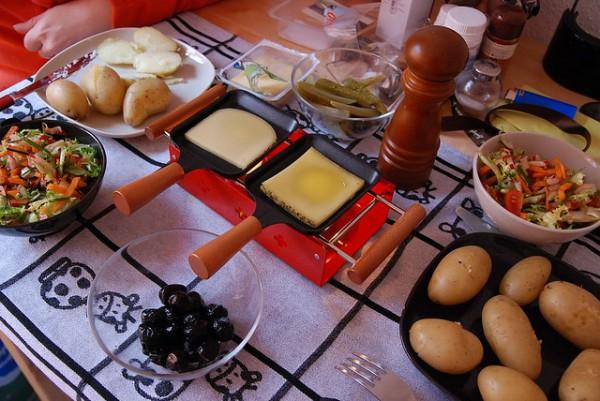 La raclette, el plato más típico del cantón de Valais