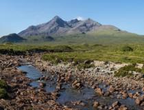 Las Cuillin Hills negras, la cadena montañosa más impresionante de Escocia