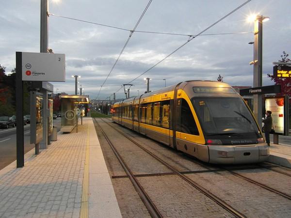 El metro es uno de los medios de transportes más utilizados en Oporto