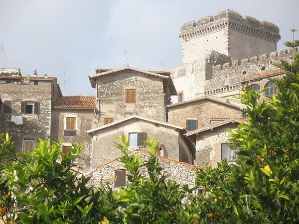 Vistas del castillo de Sermoneta