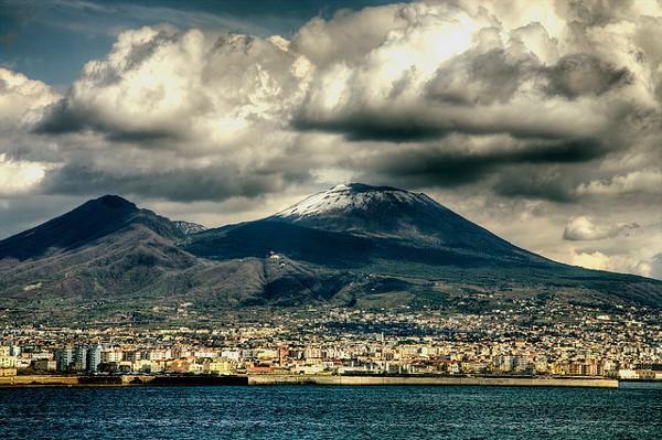 Monte Vesubio, uno de los volcanes más famosos en el mundo