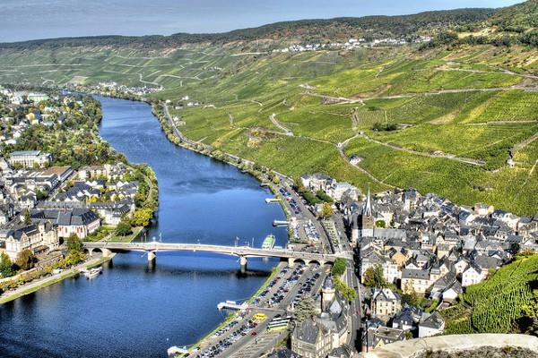 Vista de Bernkastel-Kues, precioso pueblo alemán