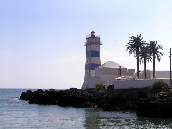 El Faro de Santa Marta de Cascais se puede visitar