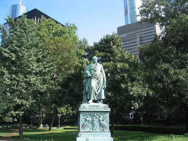 Estatua de Goethe en Frankfurt, su ciudad natal