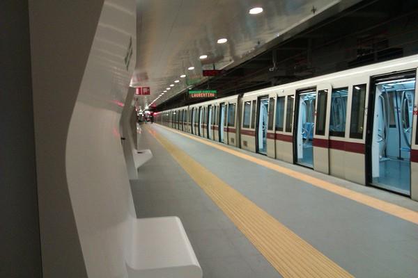 Una de las paradas más modernas en el Metro de Roma