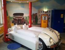 V8 Stuttgart, el hotel para los locos de los autómoviles