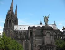Catedral de Nuestra Señora de la Asunción en Clermont-Ferrand