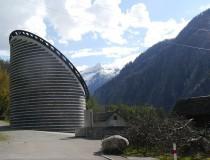 La curiosa iglesia de Mogno, del arquitecto Mario Botta