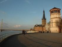 Burgplatz, la plaza más animada de Dusseldorf