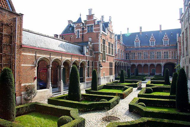 Hof van Savoye, Palacio de Margarita de Austria