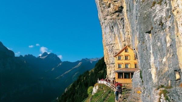 Aescher, un precioso hotel de altura