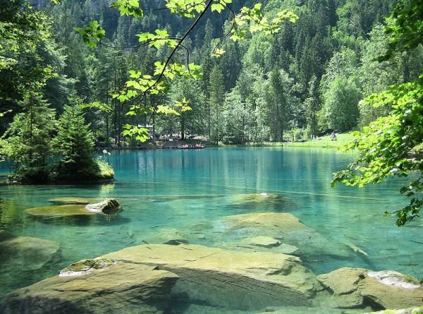 Blausee, el lago más azul de Suiza
