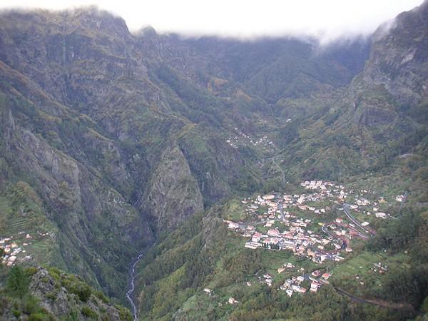 Curral das Freiras es uno de los pueblos más espectaculares de Madeira