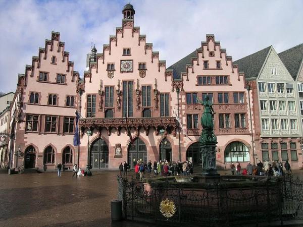 La plaza Romerberg es el corazón de Frankfurt