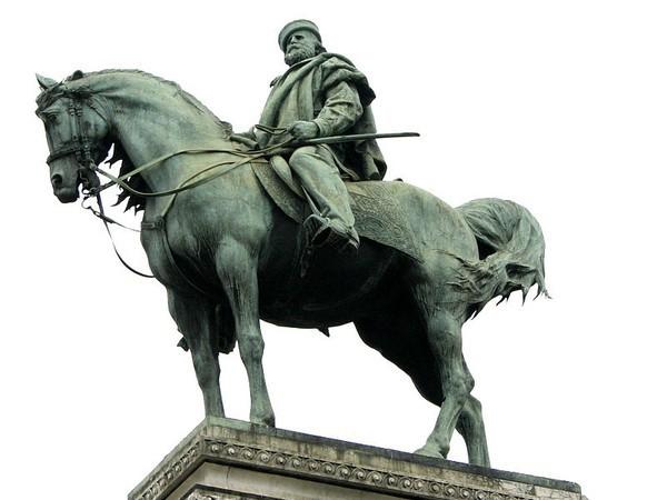 Estatua ecuestre de Garibaldi en Milán