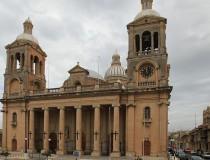 Iglesia parroquial de Paola