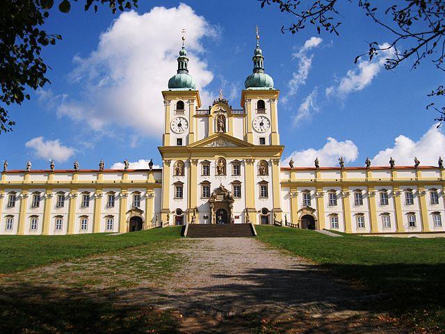 Iglesia y monasterio de St. Kopecek