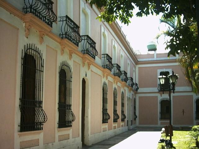 Plaza Simón Bolívar en Los Teques