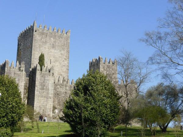 El Castillo de Guimaraes es el monumento más importante de la ciudad