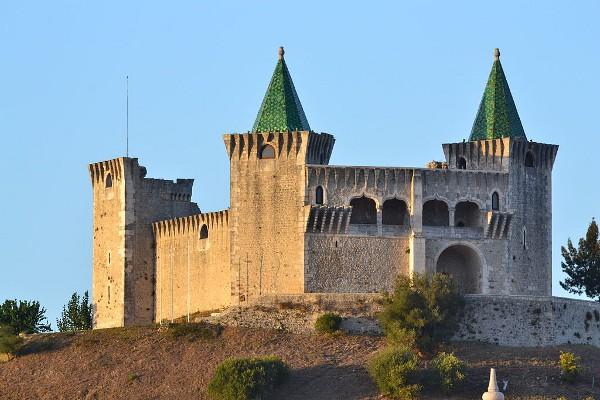 El Castillo de Porto de Mos es de lo más original con sus tejados verdes